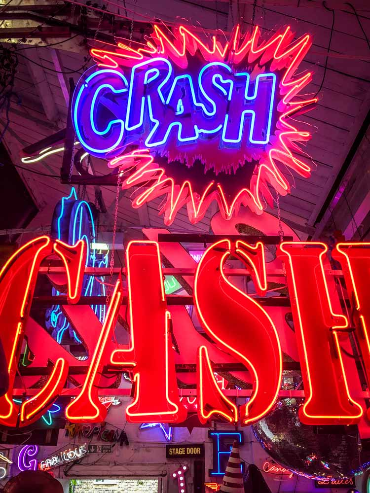Crash and Cash Signs