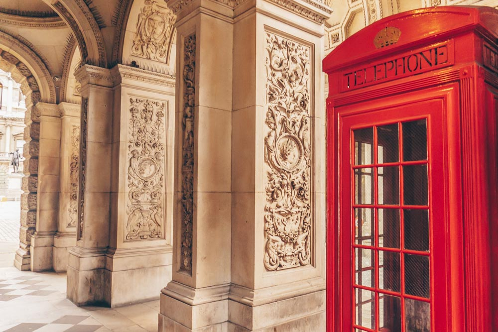 The Hidden Secrets of The K2 Telephone Boxes at Burlington House
